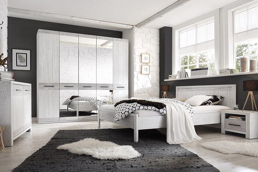 Мебель Provence HELVETIA позволяет создать оригинальный интерьер спальни